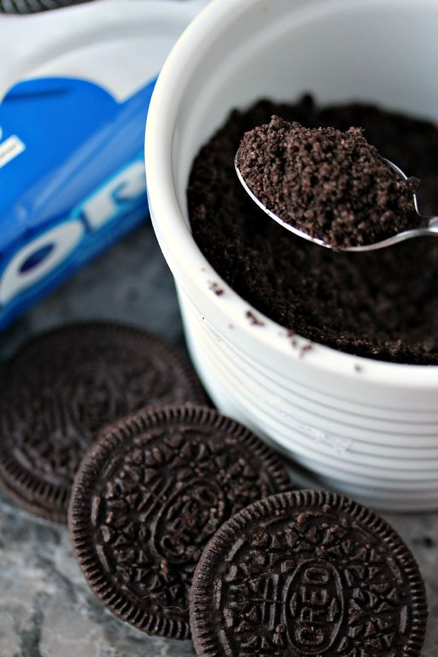 OREO-Cookie-Balls-Crushed-OREO-Crumbs-3.jpg