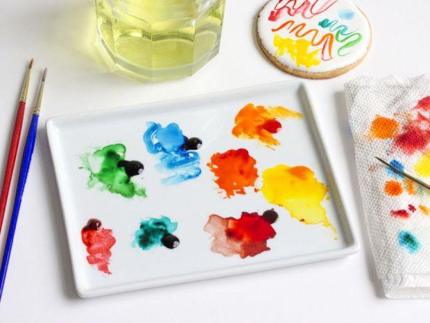 Step4_prepare-edible-watercolors_winter-snowglobe-cookies.jpg