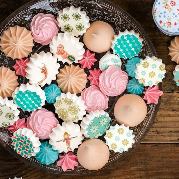 meringues_sugarstamp_tray.jpg