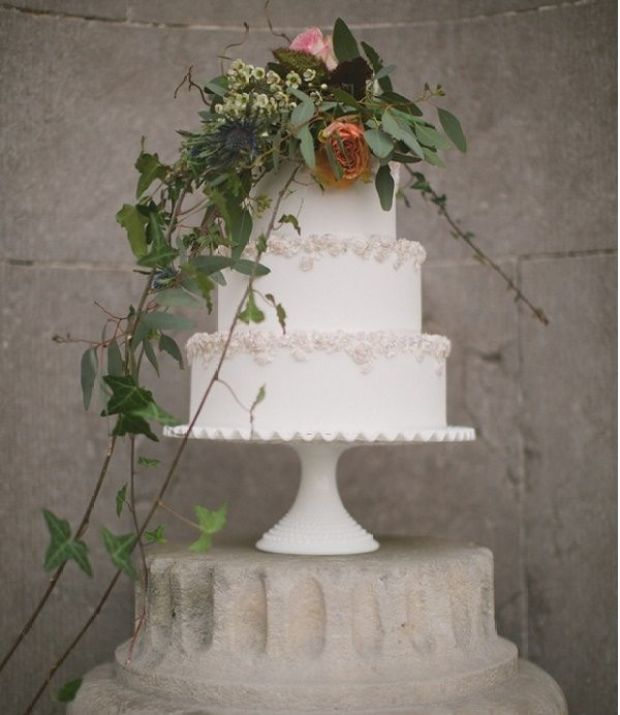 Wildflower-wedding-cake-with-bas-relief-borders-by-Gift-Cakes-vi-Paul-OHara-Phot.jpg
