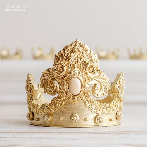 Royalbabyshowercake05.jpg