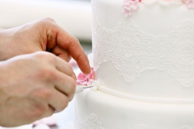 cake-decorating-268984.jpg