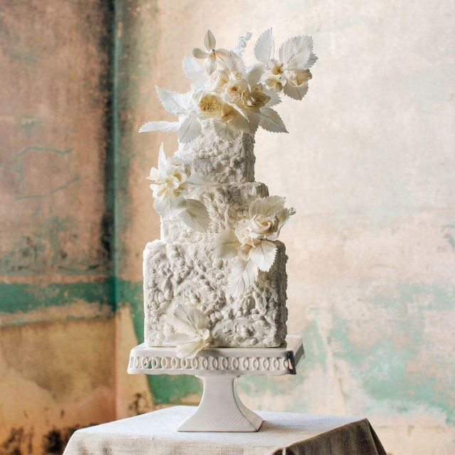 bas-relief-wedding-cakes-2.jpg