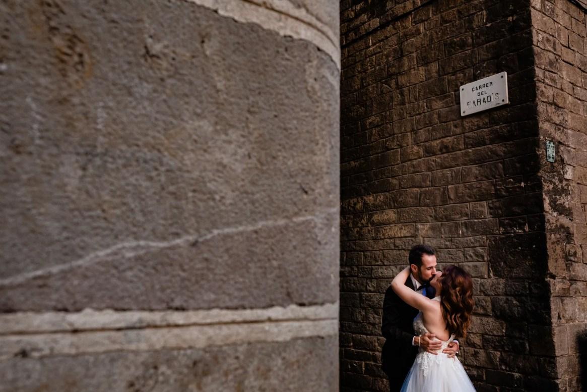 LuzdeBarcelona-boda-fotografo-postboda-gotico-Barcelona-18