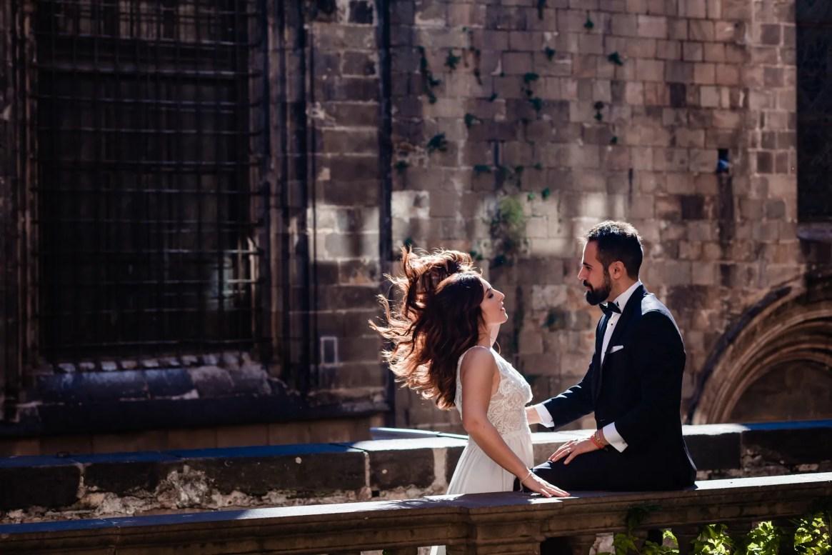 LuzdeBarcelona-boda-fotografo-postboda-gotico-Barcelona-28