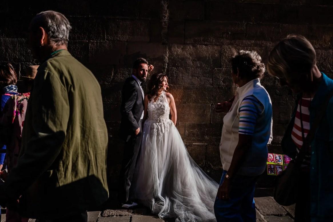 LuzdeBarcelona-boda-fotografo-postboda-gotico-Barcelona-32