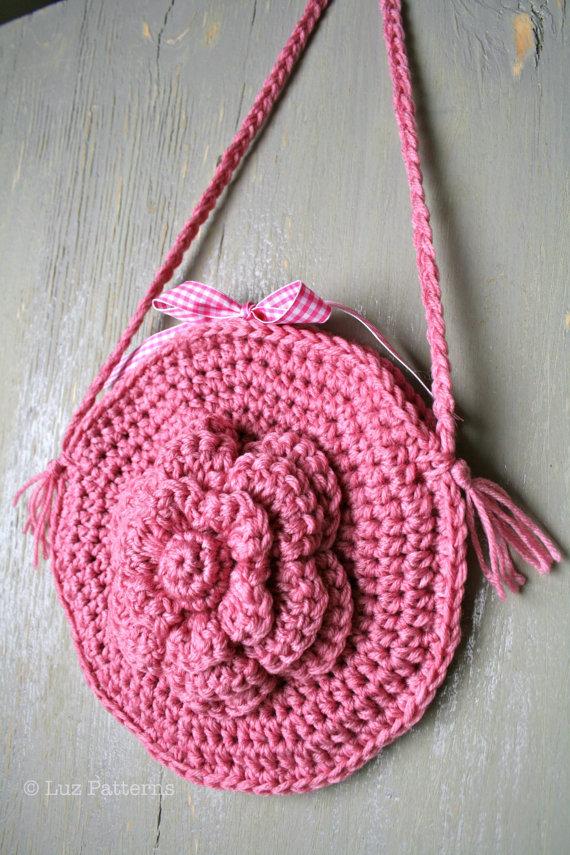 LuzPatterns.com crochet flower bag