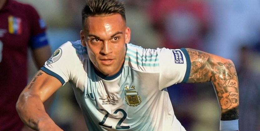 Argentina le ganó 2-0 a Venezuela y jugará con Brasil las semifinales de la Copa América