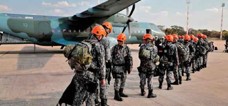 Brasil desplegó un fuerte operativo militar para combatir los incendios