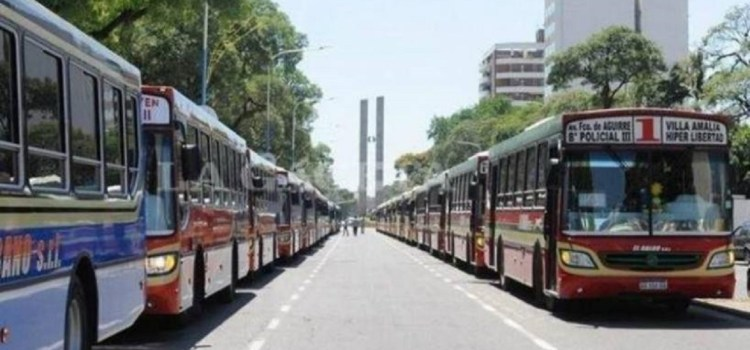 Los empresarios del transporte quieren subir el boleto al doble