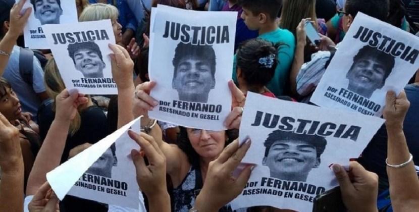 Villa Gesell: una multitud recordó a Fernando Báez Sosa frente a la escena del crimen