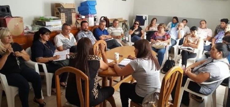 APEM: Los docentes secundarios se declararon en estado de alerta