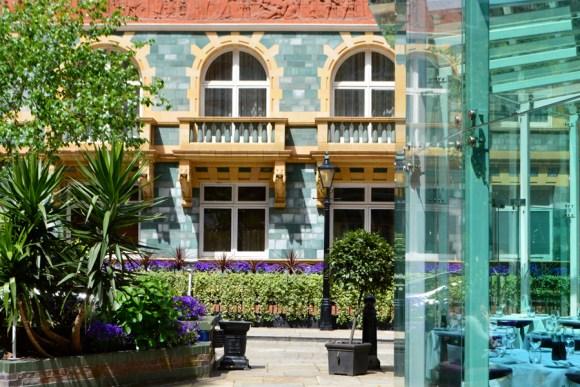 1 Bank Westminster + Zander Bar copyright lvbmag.com