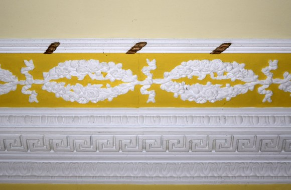 Castle Grove Yellow Drawing Room Cornice © Lavender's Blue Stuart Blakley