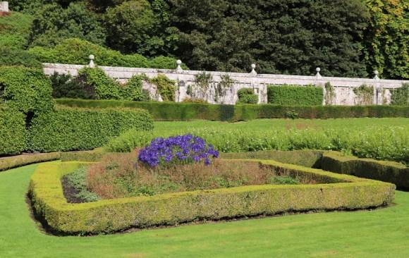 Dunrobin Castle Flowerbed © Lavender's Blue Stuart Blakley