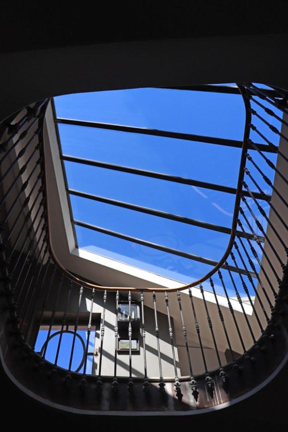 Staircase Rooflight La Divine Comedie Avignon © Lavender's Blue Stuart Blakley