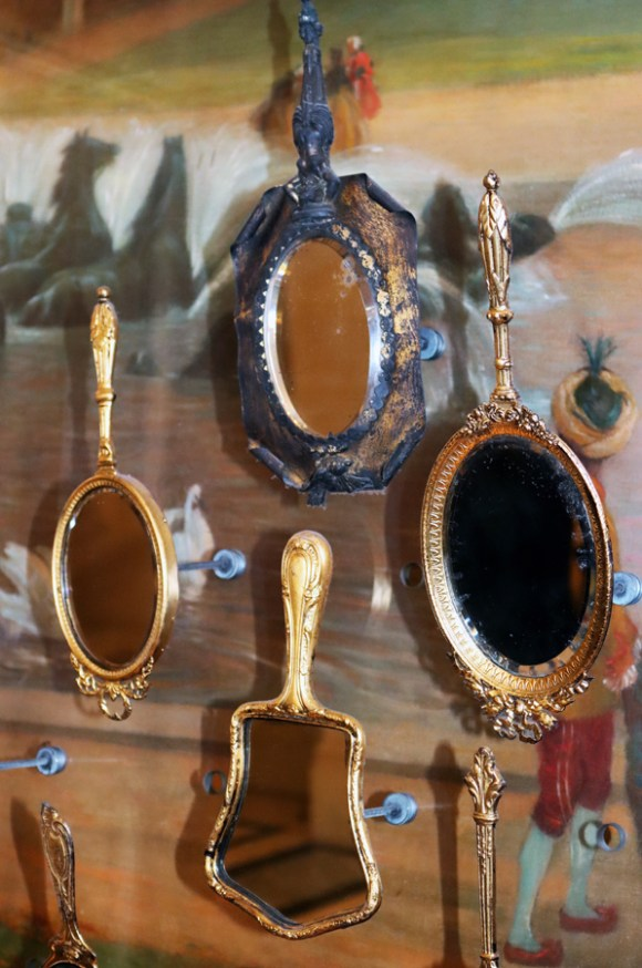Rue de Rivoli Hotel Meurice Mirrors Paris © Lavender's Blue Stuart Blakley