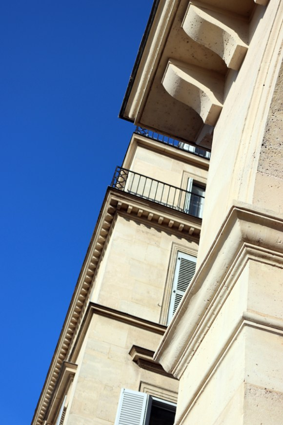 Rue de Rivoli Paris © Lavender's Blue Stuart Blakley