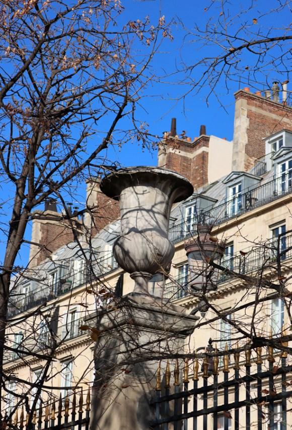 Rue de Rivoli Railings Paris © Lavender's Blue Stuart Blakley