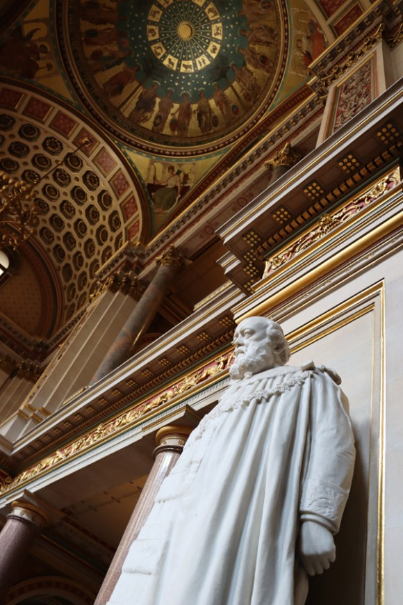 Statue The Foreign and Commonwealth Office London © Lavender's Blue Stuart Blakley