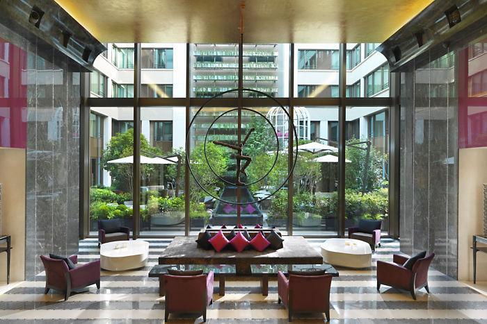 Mandarin Paris Lobby