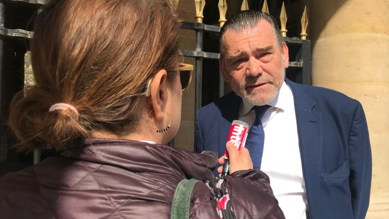 Me Berton, à la sortie de l'audience du Conseil constitutionnel, le 17 avril dernier.