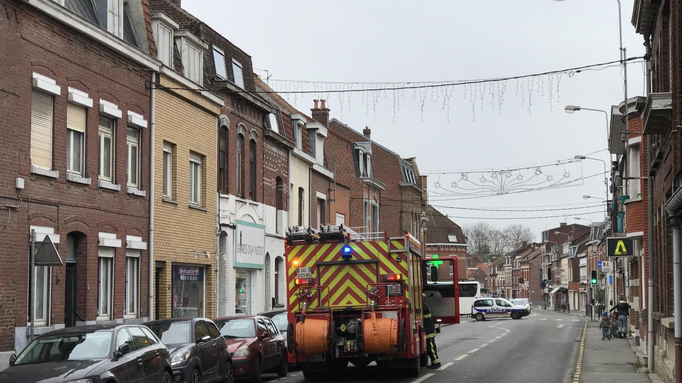 Le feu s'est déclaré au niveau du compteur et du tableau électriques dans une habitation de la rue d'Hurlupin.
