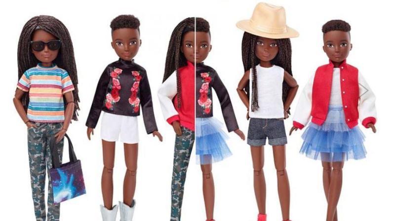 Ces poupées représentent un enfant de sept ans et ne montre sur son corps ou son visage aucun élément distinctif pouvant le rendre fille ou garçon. Mattel