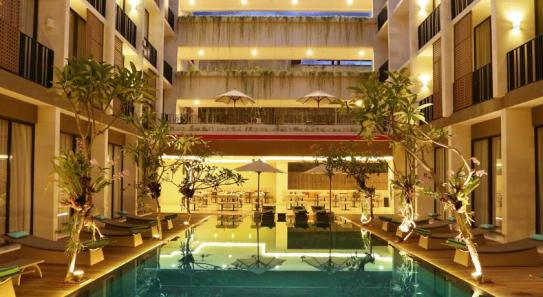 piscine terrace at kuta