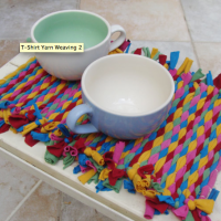 Placemats made with t-shirt yarn