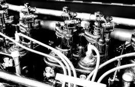 antique-engine-bw