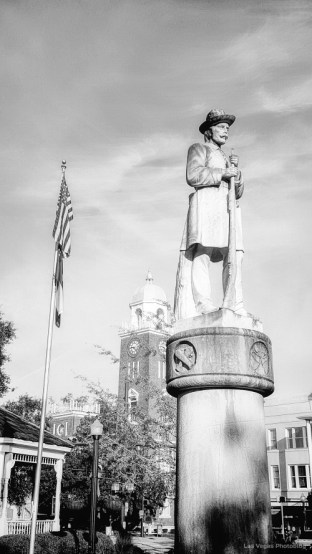2015-10-29-statue
