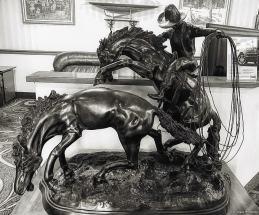 cowboy-statue