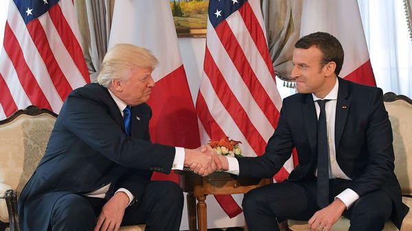 « Faire le mariole avec Trump pourrait coûter cher à Macron » – entretien avec Tony Corn