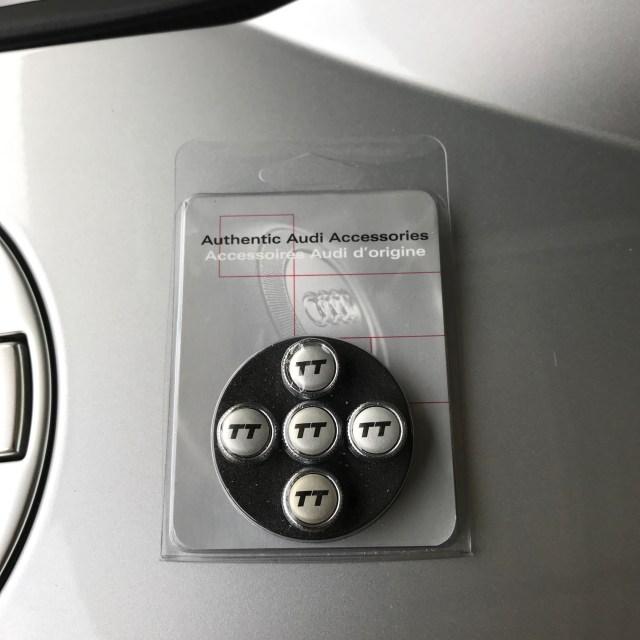 Audi TT Valve stem caps zaw-355-000-TT
