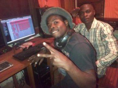 IMG 20160926 01457 300x225 Sud-Kivu: Baby's pro, un jeune  producteur à la tendance panafricaniste