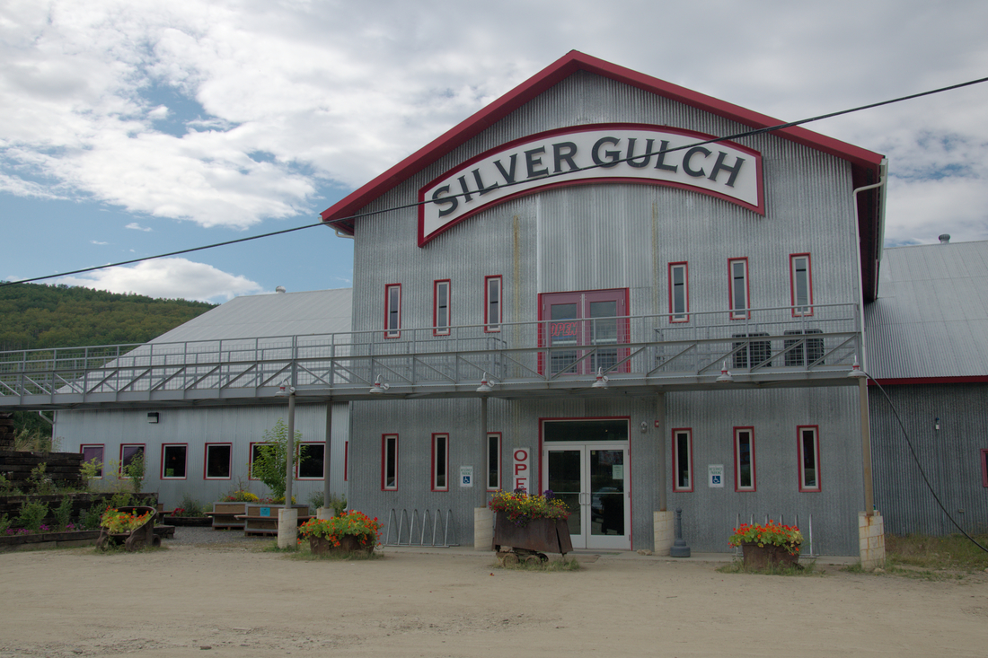 After a hike it's a relatively short, beautiful drive out the Goldstream Valley to Fox. There you can find the Silver Gulch Brewery, fill up some growlers (or I guess sit down and eat) go home and drink some beer. Yay, beer!