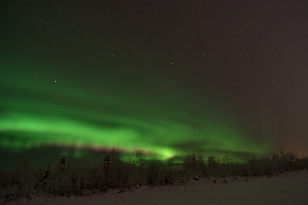 A strong pink ribbon appeared on the lower edge for a while. Stunningly gorgeous northern lights.