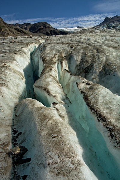 Longitudinal crevasses on the Castner Glacier