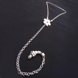 Daisy Chain Necklace I