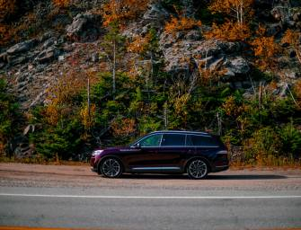 Dry Land In A 2020 Lincoln Aviator To VIP Whale Watching In Charlevoix
