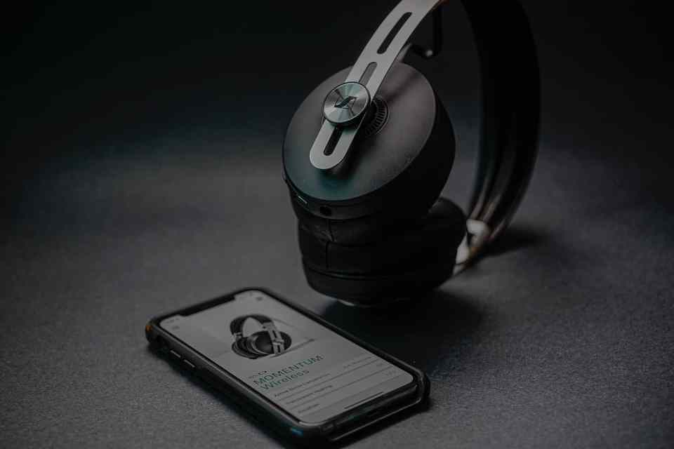 sennheiser momentum 3 bluetooth headphones 2021 lxry 4
