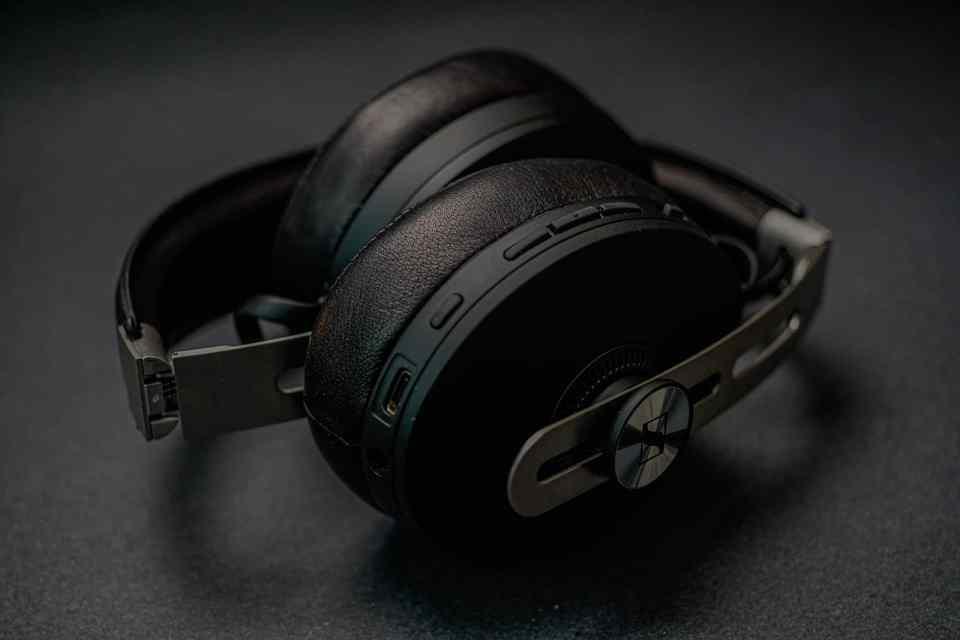sennheiser momentum 3 bluetooth headphones 2021 lxry 7