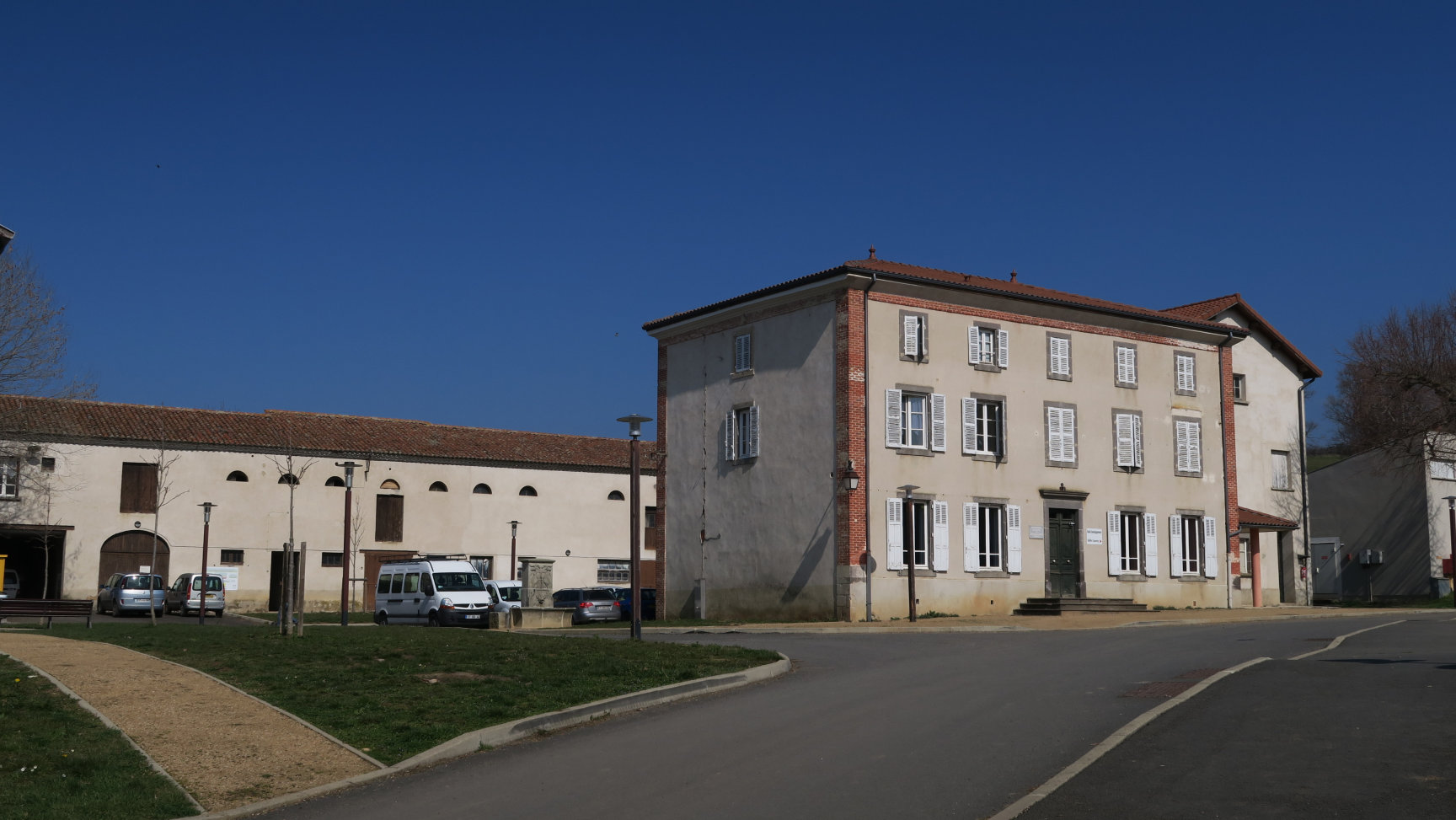 Maison Courty