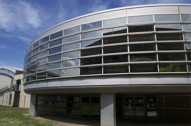 Self du lycée La Fayette, à Clermont-Ferrand. Facade sud. Photo par Eddy Rosambert