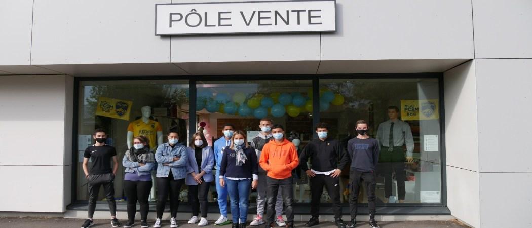 Le FC Sochaux s'invite dans les vitrines du magasin pédagogique.