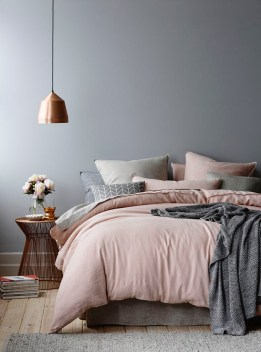 StyleAndMinimalism-Interior-Inspiration-Blush-Pink-Charcoal-Grey-003