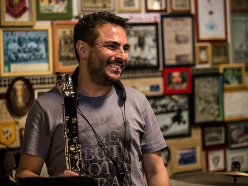 """Musical Memoirs's Blog Reviews Samuel Pompeo Quinteto's """"Que Descaida"""" & Jared Hall's """"Hallways"""""""