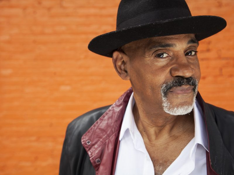 INTERVIEW: Allan Harris Discusses Career as Jazz Singer – The Bay State Banner