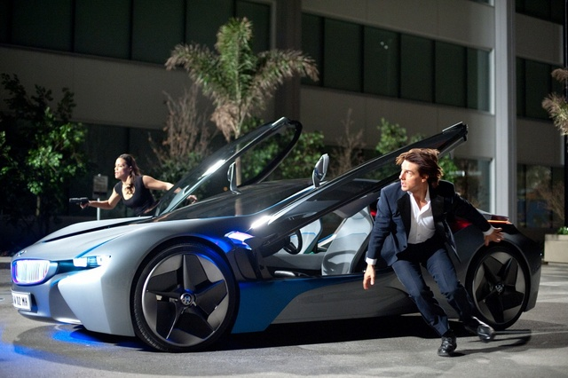 mission impossible ghost protocol -paula patton and tom cruise